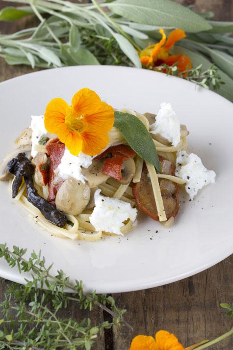 P tes aux champignons et la mozzarella la cuisine de karine moniqui - Pate a la mozzarella ...